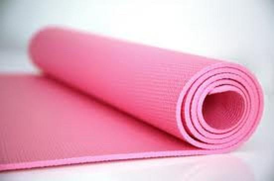 Yoga mat penting untuk melindungi sendi, tulang belakang dari lantai yang keras. Harga serendah RM30 di http://www.aiyoh.com.my/yoga-mat-pink-west-malaysia.html